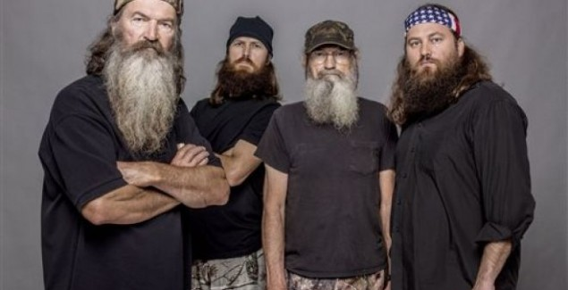 duck dynasty, phil robertson anti-gay racist, a&E ends suspension